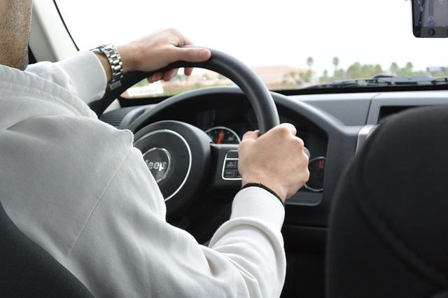 Pokrowce na kierownicę samochodową