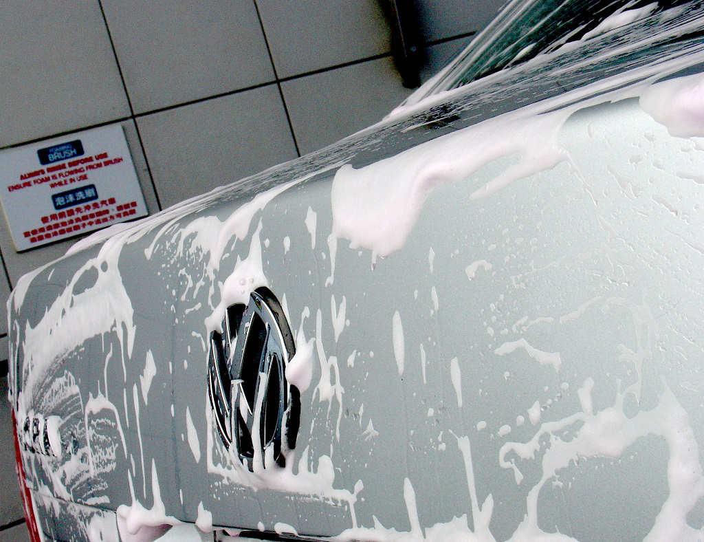 Mycie samochodów Pianą aktywną