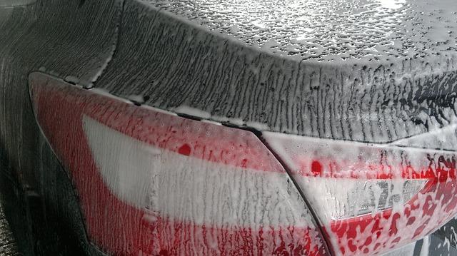 Szampony samochodowe z woskiem