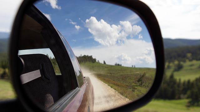 Obowiązkowe wyposażenie samochodu za granicą