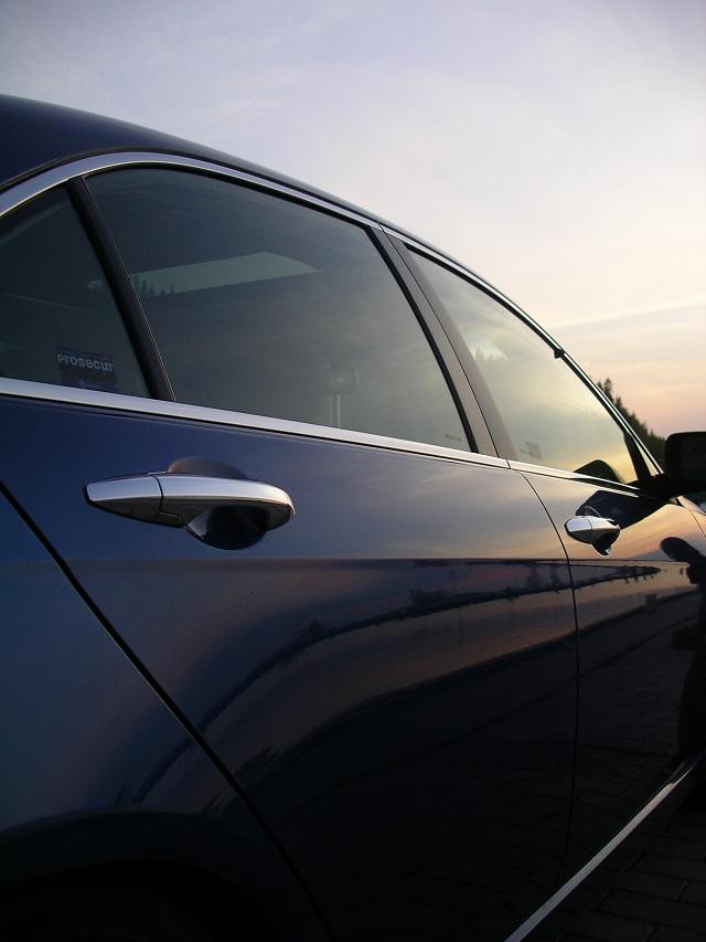 Silikon do smarowania uszczelek samochodowych
