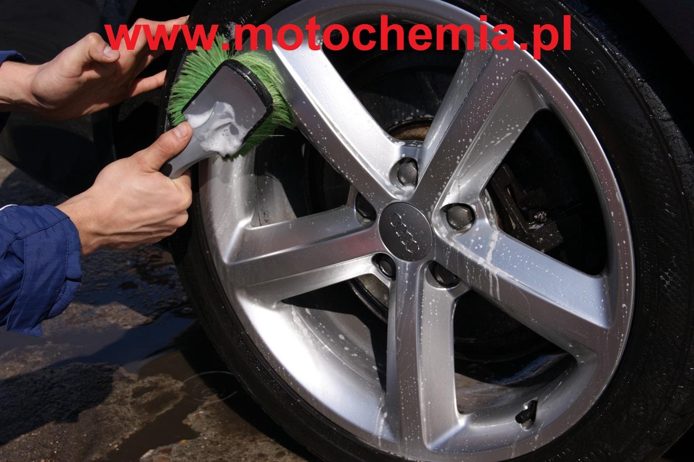 R�czne mycie felg samochodowych